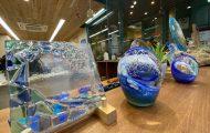 ミック鎌倉店で地元ガラスアーティストの作品展示スタート